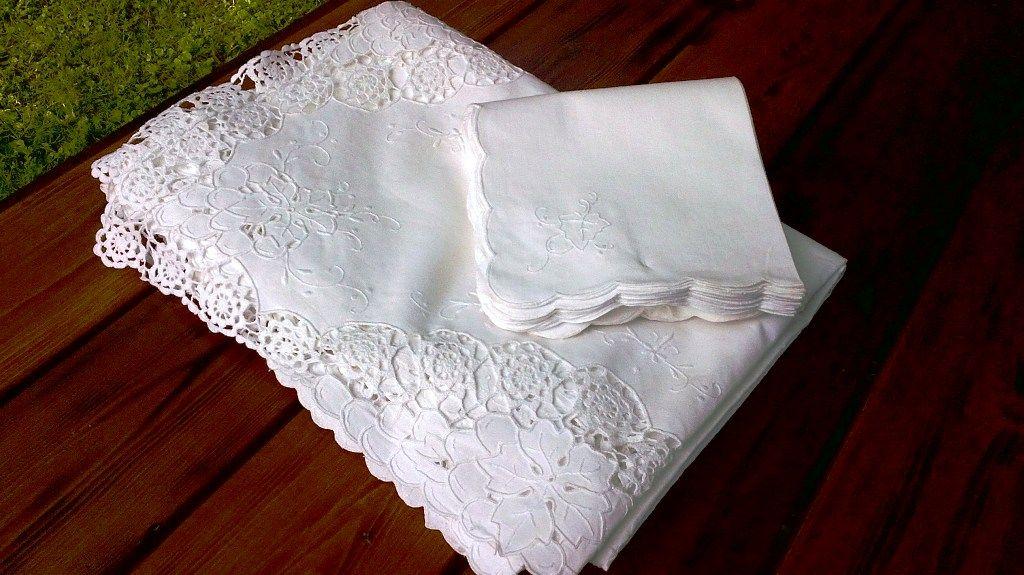 Grapes wine lace crisp white cotton tablecloth for White cotton table cloth