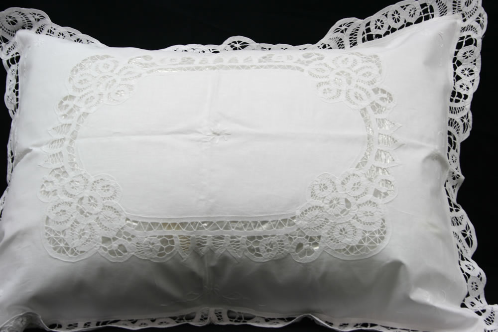 Elite Battenburg Lace Bedding Ensemble amp Matching Sheet