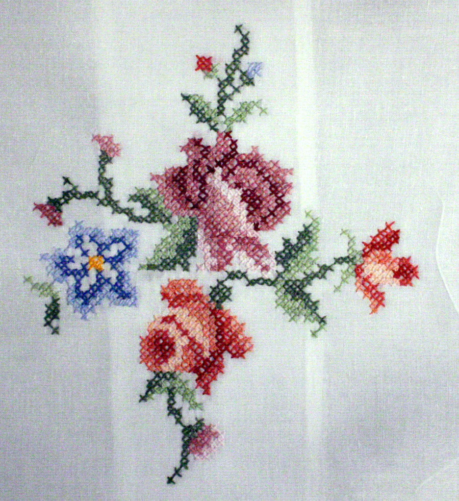 Cross stitched Roses cushion cover- closeup