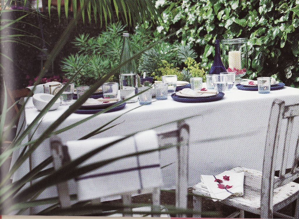 Al Fresco Dining Table Settings for Casual Outdoor Dining The