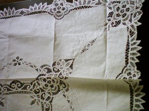 Elite Bsttenburg Lace Square tablecloth White Cotton.