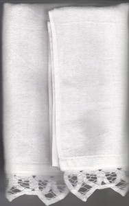 Battenburg Lace trimmed Velour Towel re-purposed as Silverware Roll for romantic picnics.