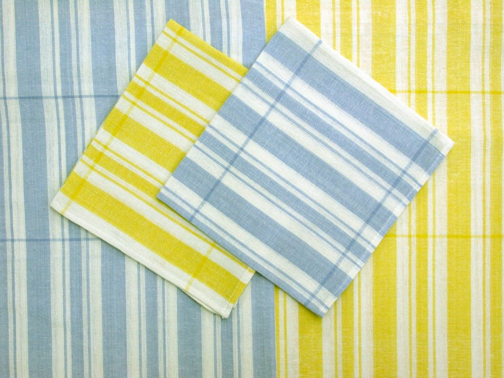 Merveilleux Light Ticking Stripes Picnic Tablecloths
